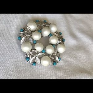 Vintage Sara Coventry Pearl and Tourquoise Brooch